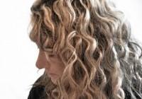 capelli mossi biondi
